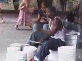 Street drummer - Batteur de rue !