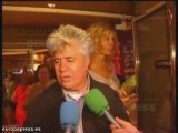 Almodóvar pasea por Cannes y se lleva el Premio de la Juvent
