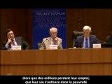"""► Nigel Farage  : """" Les jours de l'euro sont comptés, il vit sur de l'argent emprunté """" ► Parlement Européen, Bruxelles - 28 juin 2011"""