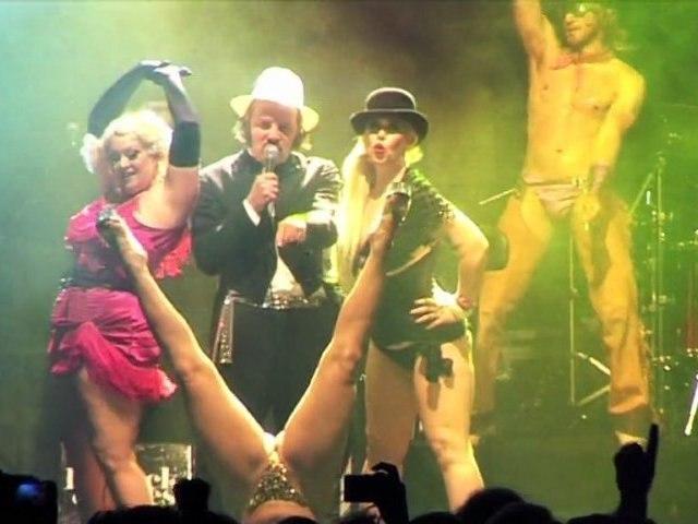 Katerine et le cabaret New Burlesque (Eurockéennes 2011)