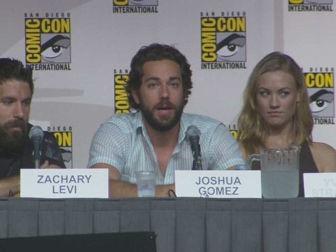 Zachary Levi & His Chuck Castmates On Panel At Comic-Con '09