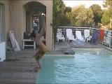 Salto arrière piscine