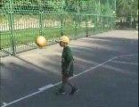 football record de jongle enfant de 7 ans   (1521jongles)