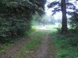 moi en quad ( entrer dans le bois plein gaz)