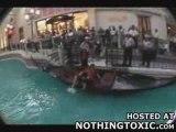 Régis prend le bateau [chute]
