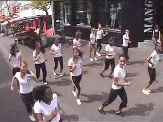 Street marketing partenariat entre Moving et Peugeot Réunion