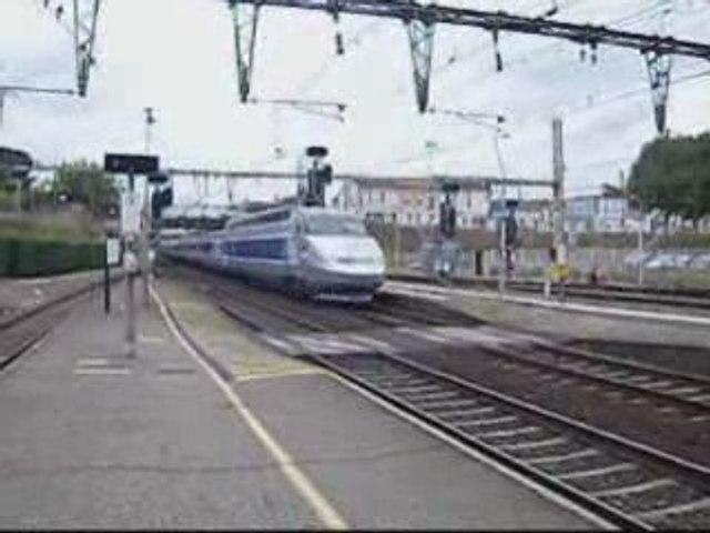 TGV à Libourne