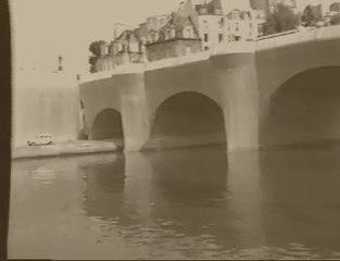Le Pont-Neuf emballé par Christo  en 1985.