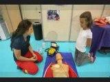 Démonstration défibrillateurs cardiaques