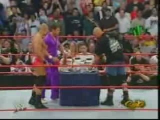 Stone Cold Returns To Raw 4/4/05 Part 1