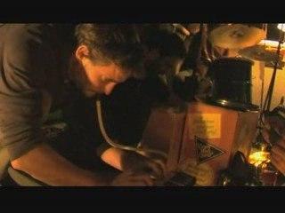 CHAPI CHAPO & LES PETITES MUSIQUES DE PLUIE - Screaming fire