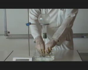 Dissolution du chlorure d'hydrogène, expérience du jet d'eau
