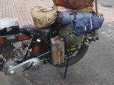 Moto Terrot 350 , l'heure du départ, le moteur chauffe Manu
