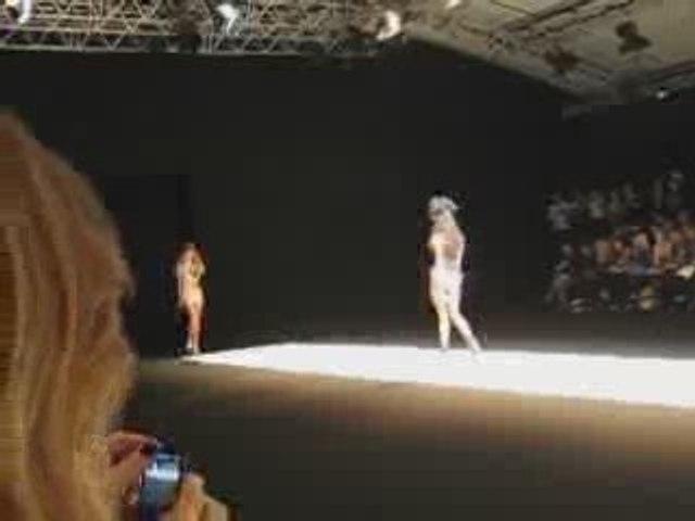 Naomi Campbell, Chapurin SS10