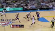 NBA Thabo Sefolosha steals the ball from Kobe Bryant