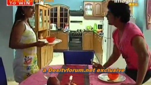 Pati Patni Aur Woh - 18th November 2009 - Pt1 - video