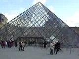 Paris - Musée du Louvre Pyramide