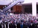La flashmob de la chaine de l'espoir au Louvre, Paris