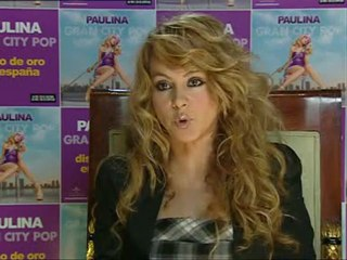 "Paulina Rubio: ""deben bajar música legal"""