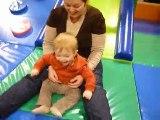 Tim et maman sur le toboggan #1