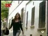 Bruni fait sensation en Espagne en posant nue dans la revu