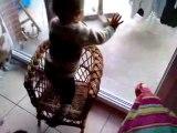 je monte tout seul sur ma chaise