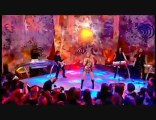 Shakira She Wolf  Top Of the Pops HD Christmas  le 25.12.09