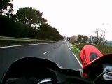 moto essai camera embarque ktm wheeling corse