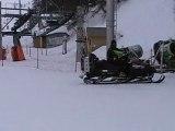 Kylian sur des skis...
