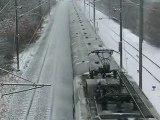 TRAIN DANS LA NEIGE 2 TRAIN IN THE SNOW