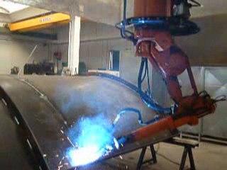 Erregi 2 Industriale robot ABB saldatura filo Mig Mag