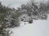 balade en defender dans la neige