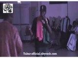 Yakar Live Bras en l'air !