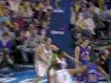 Kevin Durrant hits Thabo Sefolosha with an outlet pass for t