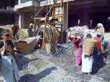 Travaux de construction d' un bâtiment à Kathmandou