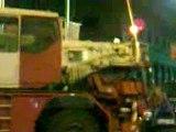 Hummer limousine remorqué en plein Barcelone