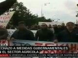 Agricultores bloquean carreteras en Grecia