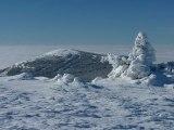 Magnifique vu sur les Alpes depuis le Mont Mézenc au soleil