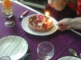 jenni souffle ses bougies
