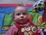 Cyprien, 3 mois, sur son tapis d'eveil