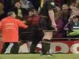 Clash Foot Cantona vs supporter Crystal Palace