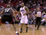 Dwight Howard gets inside and throws down the hammer.Dwight