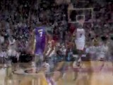Lamar Odom tosses the long alley-oop to Shannon Brown for th