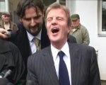 Kouchner a-t-il «une tête à vendre des organes» ?