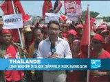 Une marée rouge déferle sur Bangkok