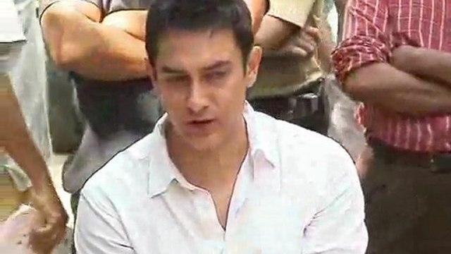 Aamir Khan celebrates 45th birthday
