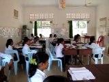 en classe A.F.S. à Battambang pendant un cours de math.