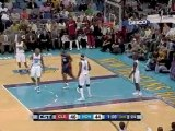 Mo Williams tosses a long, beautiful alley-oop to LeBron Jam