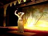 solo  improvisation de danse orientale par Aurore