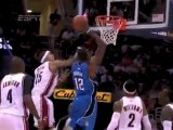 Jameer Nelson finds Dwight Howard in the paint for the two-h